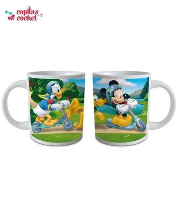 Cana Mickey Mouse pe trotineta 1