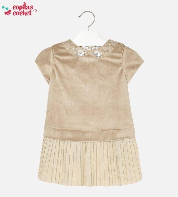 rochita-catifelata-cu-aplicatii